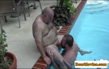 Fat dude gets sucked in the pool