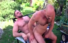 Nice outdoor sex with sexy daddies