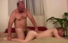 Bear fucking a horny twinkie