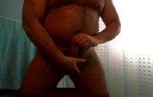 Horny bear doing solo show
