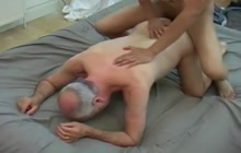 Experienced gay enjoys twink's cock