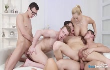 Crowded orgy with bisex couples and gays